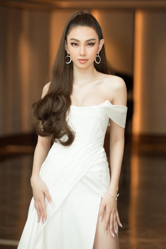 Hoa hậu Tiểu Vy bật khóc, xin lỗi người đẹp Thùy Tiên trên sóng truyền hình - 3