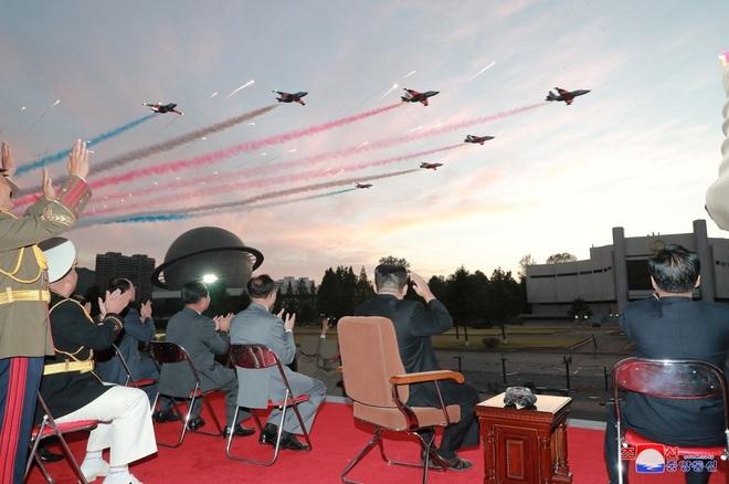 Ông Kim Jong-un tuyên bố xây dựng quân đội Triều Tiên bất khả chiến bại - 3