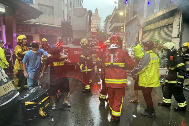 Khoảnh khắc biển lửa nhấn chìm chung cư khiến 46 người chết ở Đài Loan - 3
