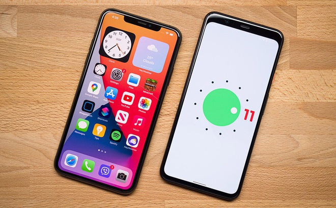 iphone-vs-android-1634186189001.jpg