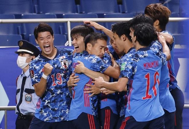 Vì sao HLV Nhật Bản bật khóc nức nở ở trận gặp Australia? - 2