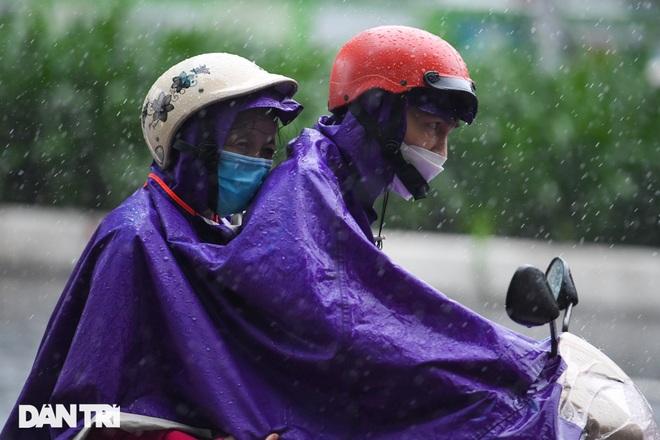 Hà Nội tiếp tục mưa lạnh - 1