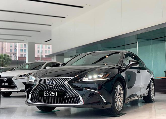 Những mẫu sedan cỡ trung hạng sang đáng chú ý năm 2021 bán tại Việt Nam - 6