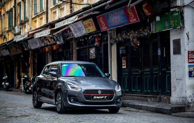 Tặng phiếu bảo dưỡng một năm cho tuyến đầu chống dịch khi mua ô tô Suzuki - 2