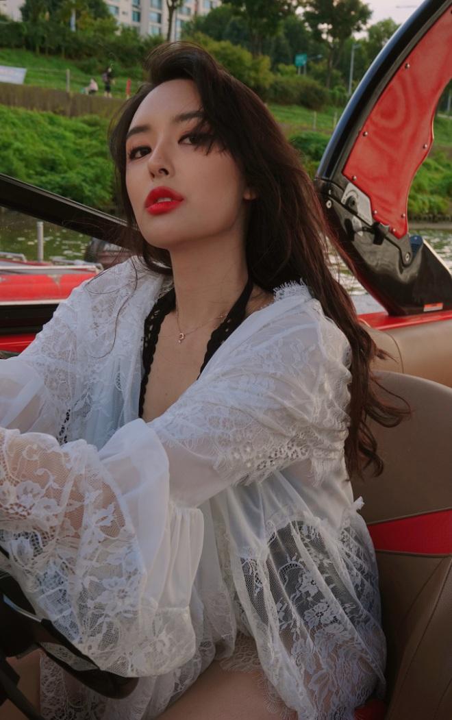 kim-ji-sooinstagram-1634266402290.jpeg