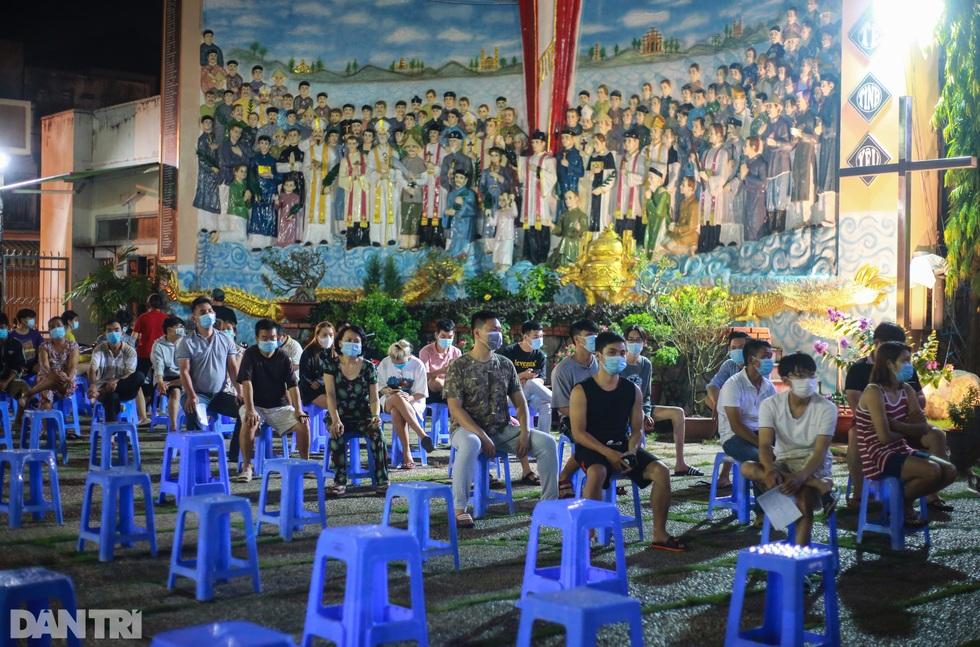 TPHCM: Trắng đêm xét nghiệm 50.000 người Gò Vấp tìm chuỗi lây ở hội thánh - 3