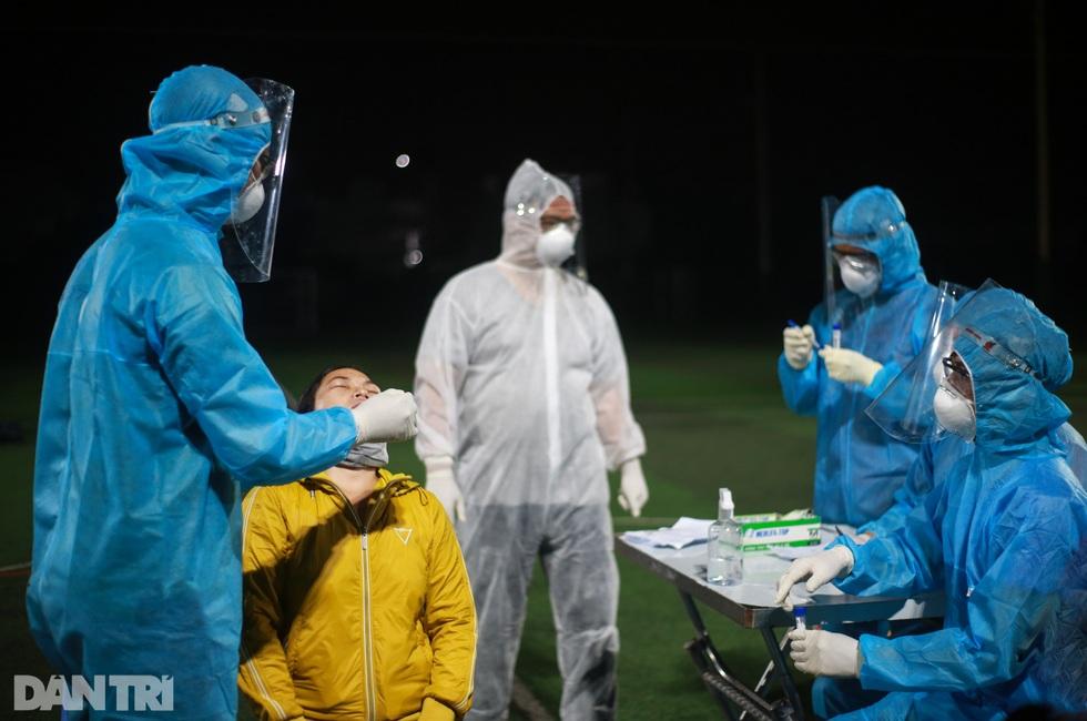 TPHCM: Trắng đêm xét nghiệm 50.000 người Gò Vấp tìm chuỗi lây ở hội thánh - 17