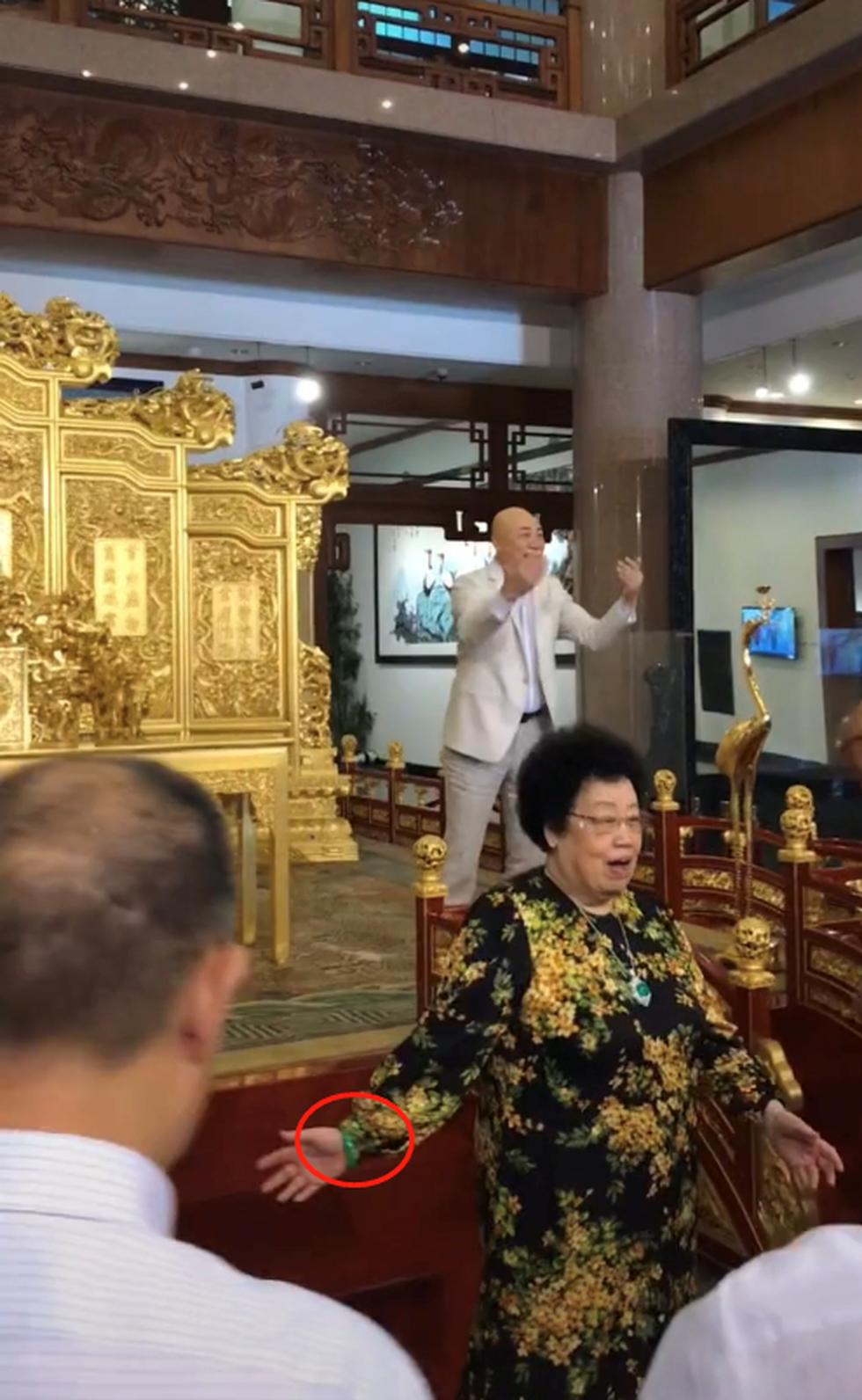 Lần hiếm hoi Đường Tăng Trì Trọng Thụy xuất hiện bên vợ tỷ phú 80 tuổi - 3