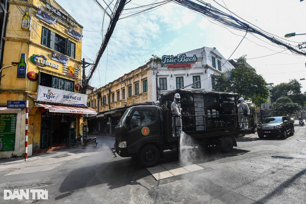 Nhìn lại hơn 20 ngày Hà Nội đối đầu với sóng dịch Delta - 14