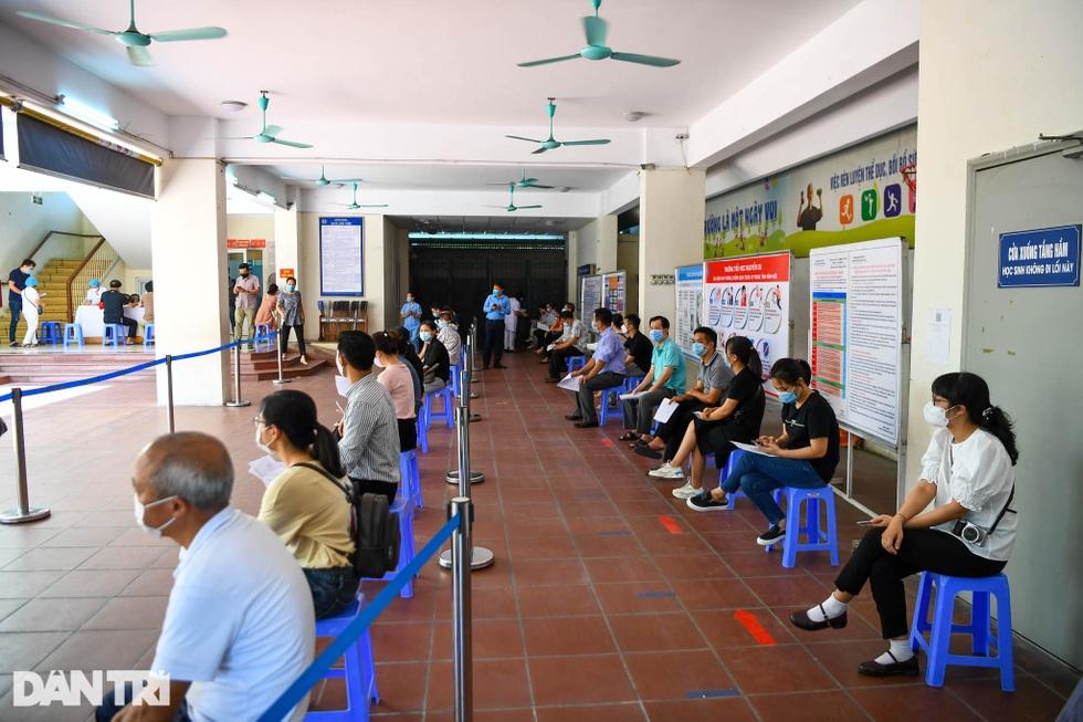 Nhìn lại hơn 20 ngày Hà Nội đối đầu với sóng dịch Delta - 20