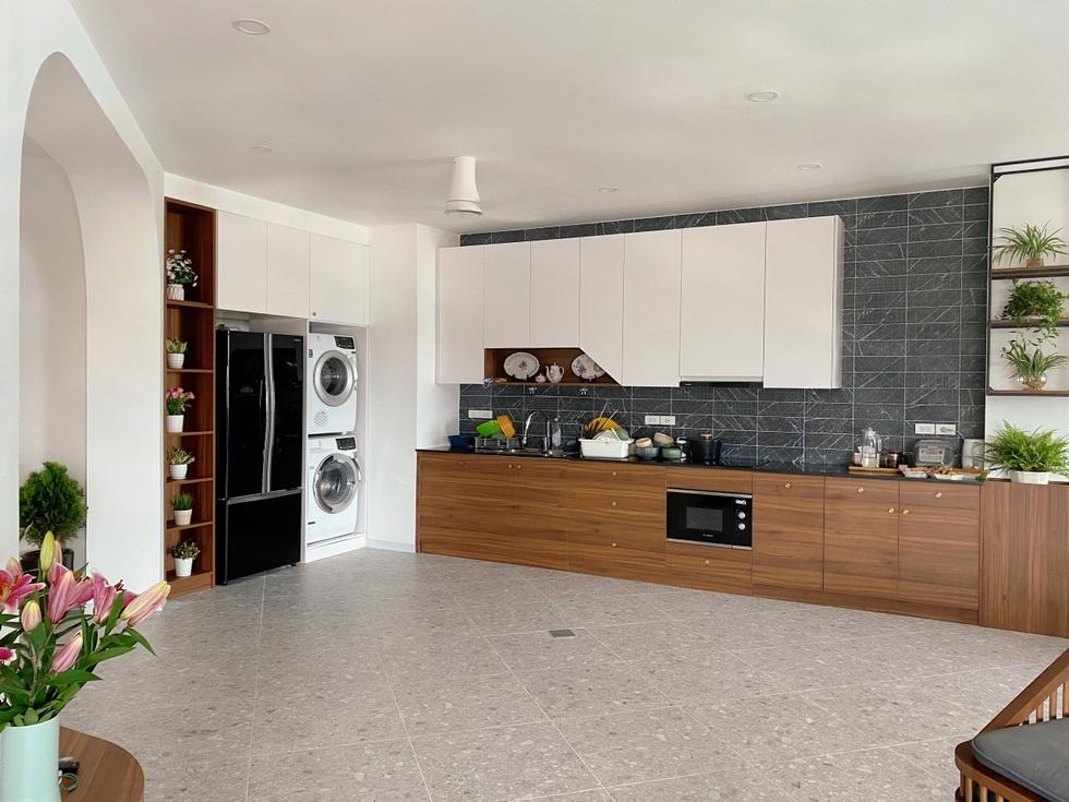 Biến căn hộ 120 m2 siêu cũ thành nơi nghỉ dưỡng sang chảnh lúc giãn cách - 2
