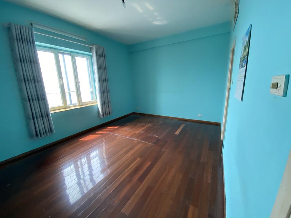 Biến căn hộ 120 m2 siêu cũ thành nơi nghỉ dưỡng sang chảnh lúc giãn cách - 8