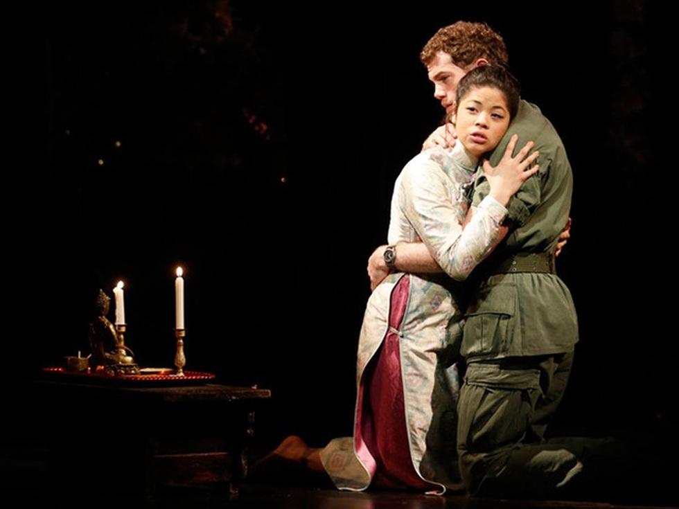 Miss Saigon: Vở kịch về tình yêu, tình mẫu tử gây thổn thức suốt 30 năm - 7