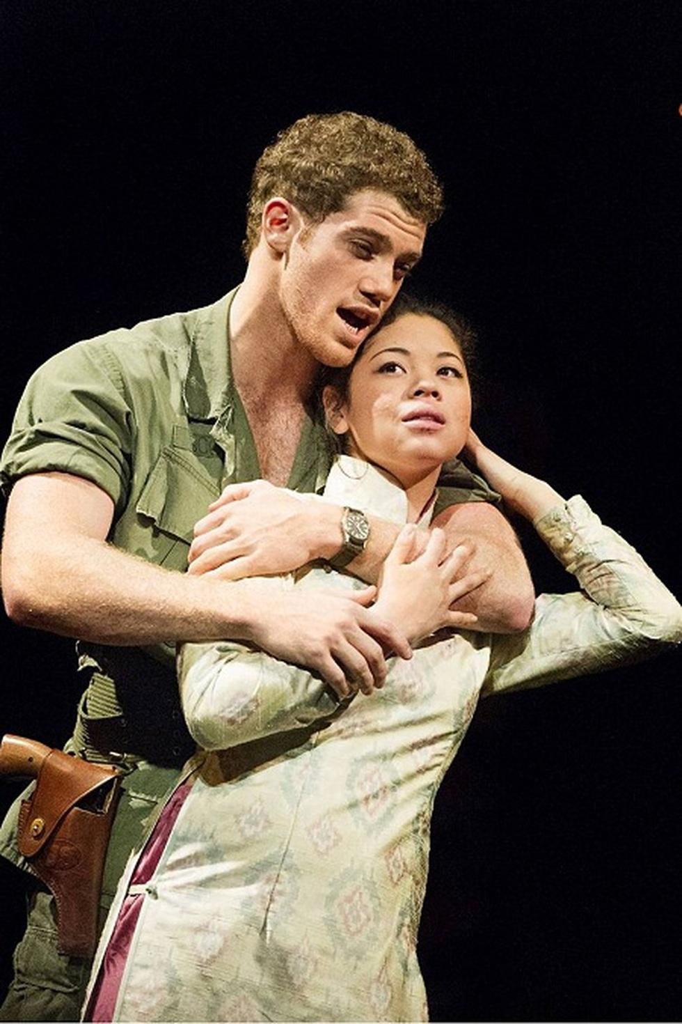 Miss Saigon: Vở kịch về tình yêu, tình mẫu tử gây thổn thức suốt 30 năm - 3