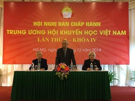 Chủ tịch Hội Khuyến học Việt Nam Nguyễn Mạnh Cầm chủ trì Hội nghị