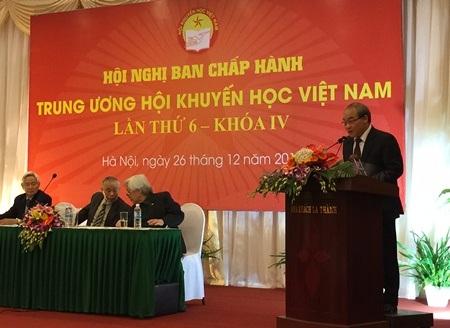 Thứ trưởng Bộ GD-ĐT Nguyễn Vinh Hiển phát biểu tại hội nghị