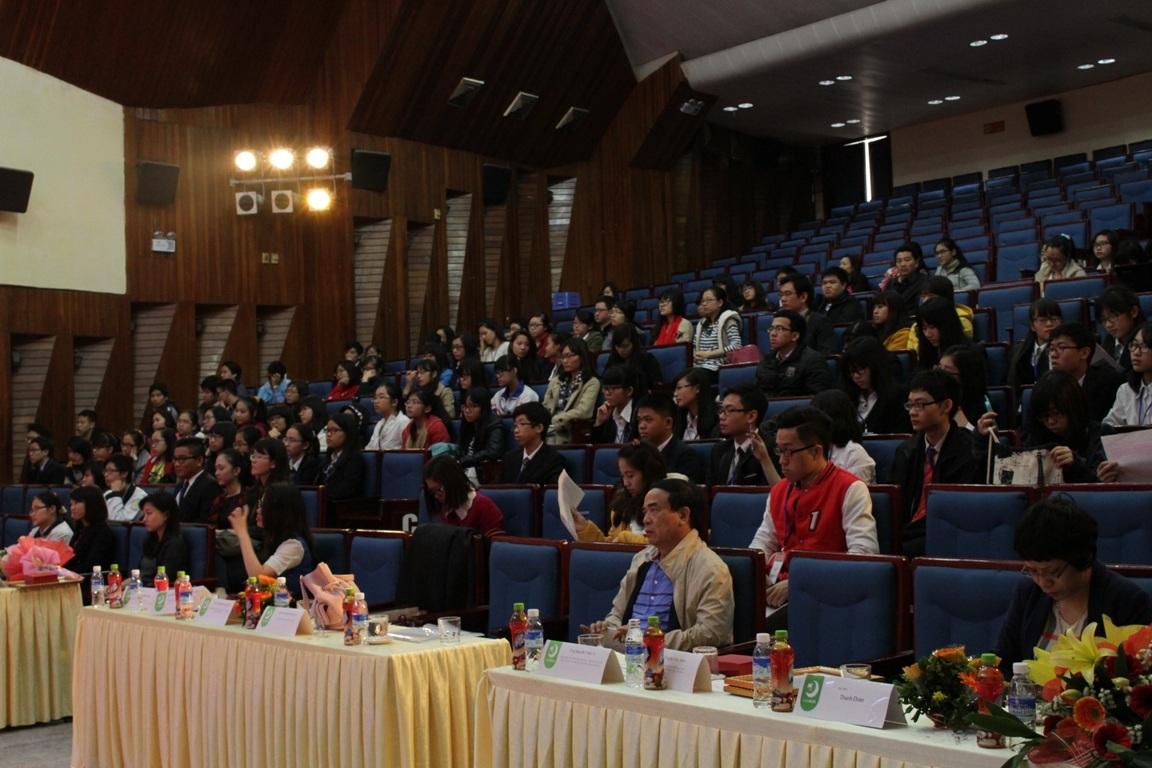 Học sinh Hà Nội tham dự Lễ khai mạc chương trình Little MUN 2015