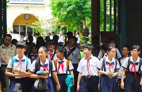 HS trường THPT chuyên Trần Đại Nghĩa (TP.HCM) sau buổi học về. Ảnh: HTD