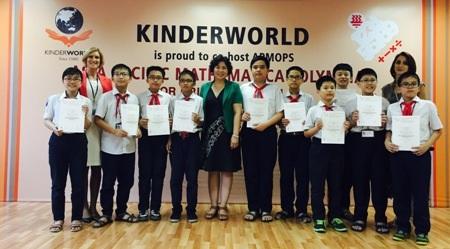 10 học sinh lớp 6 trường Hà Nội - Amsterdam