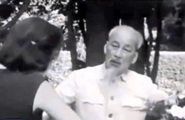 Chủ tịch Hồ Chí Minh trả lời phỏng vấn các nhà báo Pháp năm 1964