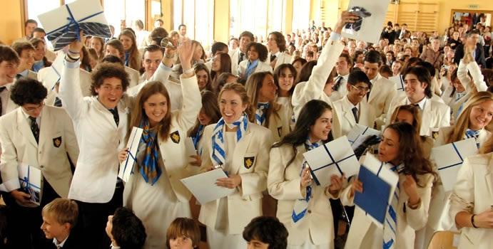 Các học sinh của trường trong lễ tốt nghiệp