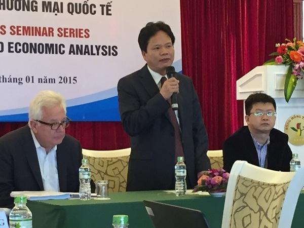 PGS.TS. Đào Văn Hùng Giám đốc Học viện Chính sách và Phát triển phát biểu khai mạc khóa học