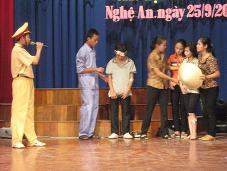 Nghệ An: Chung kết hội thi Tìm hiểu ATGT cấp THCS  - 1