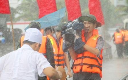 Tác nghiệp dưới mọi thời tiết - Nguyễn Thị Hằng Ngần, Đài PTTH Quảng Ninh
