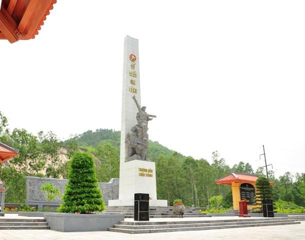 Tượng đài chiến thắng Truông Bồn