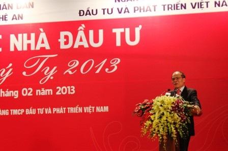 Chủ tịch Quốc hội Nguyễn Sinh Hùng dự hội nghị xúc tiến đầu tư năm 2013 tại tỉnh Nghệ An