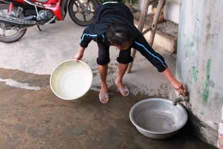 Xả sạch bể hứng nước mưa, chờ đợt mưa khác.