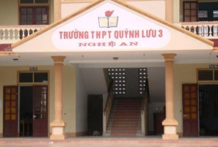 Trường THPT Quỳnh Lưu 3 - nơi 3 học sinh ăn trộm thiết bị máy tính đi tiêu thụ.