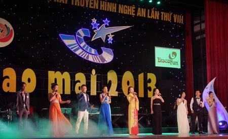 9 thí sinh trong đêm chung kết.