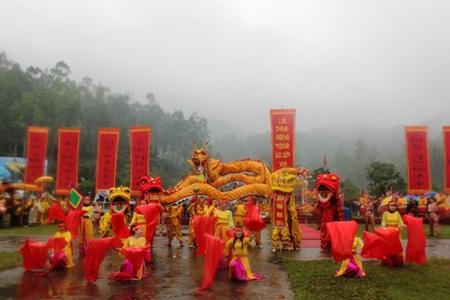 Lễ khai mạc lễ hội Đền Vua Mai năm 2014 được tổ chức long trọng, thành kính và trang nghiêm