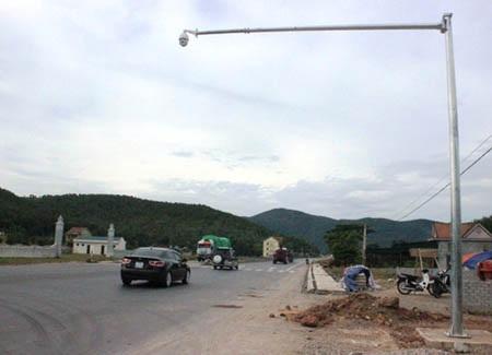 Hai camera vừa được lắp đặt tại trạm cân lưu động số 15, xã Diễn An, huyện Diễn Châu.