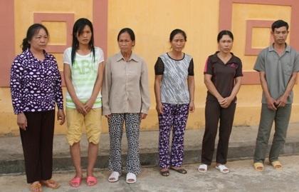 Các đối tượng trong đường dây buôn bán trẻ sơ sinh bị bắt giữ.