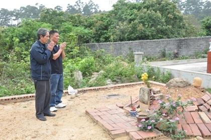 Phần mộ bà S. được an táng tại nghĩa trang Tân Mai.