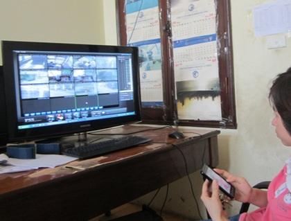 Camera tại trạm ghi lại nhiều trường hợp lái xe gây khó dễ cho nhân viên thu phí.