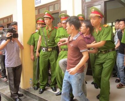 Bị tuyên án tử hình, đối tượng hung hãn chống đối quyết liệt.