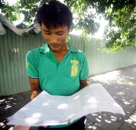 Em Ngô Văn Thuận - chàng trai đạp xe 300km để đi thi đại học.