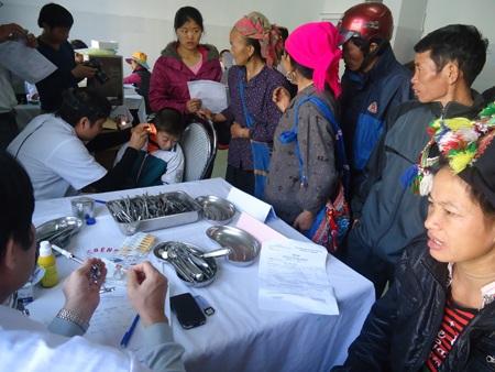 Bệnh viện Bưu điện khám chữa bệnh miễn phí cho hơn 2.000 bà con nhân dân huyện Sìn Hồ.