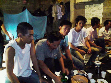 Lao động Việt Nam phải sống trong môi trường khó khăn tại Angola