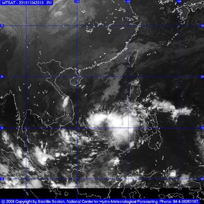 Áp thấp nhiệt đới mạnh thãnh bão đang hướng vào vùng biển nước ta. (Ảnh: NCHMF)