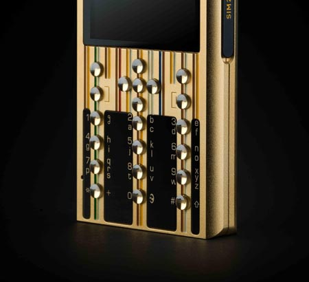 Các ký tự trên bàn phím sapphire được chế tác thủ công tỉ mỉ.