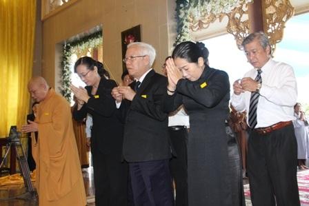 Đoàn Thành ủy, HĐND, UBND, Ủy Ban MTTQ Việt Nam TPHCM viếng tang Đại lão.