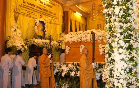 Kim quan cố Đại lão Hòa thượng Thích Trí Tịnh tại chùa Vạn Đức, TPHCM.