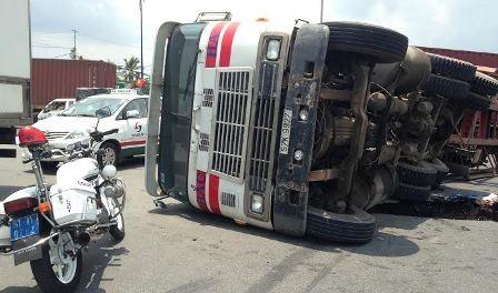 Hiện trường sự cố tai nạn giao thông tại vòng xoay Mỹ Thủy, quận 2.