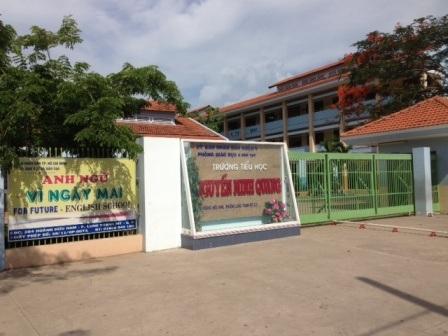 Trường tiểu học Nguyễn Minh Quang - nơi xảy ra tai nạn thương tâm.