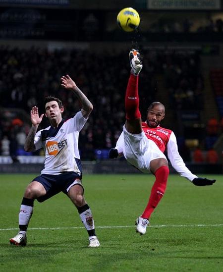 Nhìn lại 40 ngày xúc cảm của Henry ở Arsenal - 10