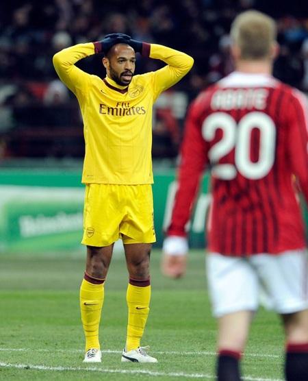 Nhìn lại 40 ngày xúc cảm của Henry ở Arsenal - 13